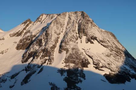 Trondskjortetind øksendalen møre og romsdal tur foto guide bård smestad