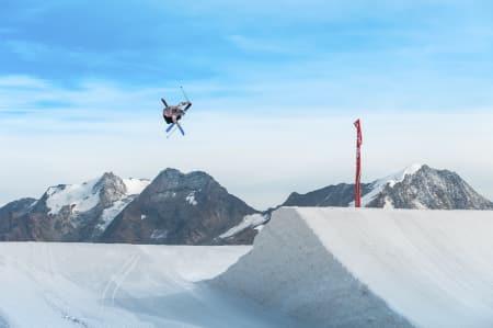 GLEDER SEG: Ferdinand Dahl gleder seg til å gå løs på tidenes råeste slopestylecourse. Bilde: Luke Ocho Allen