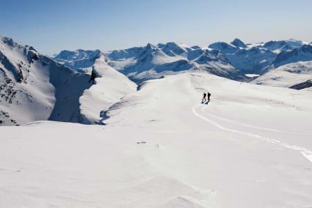SPEKTAKULÆRT: Arrangøren lover ei løype i fantastiske omgivelser når tidenes første Narvik rando går av stabelen i mars. Foto: Lars Thulin