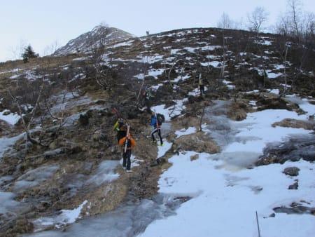 Straks ved Loftskarsætra 460 moh, men ennå ikke skiføre