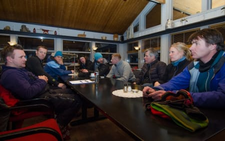 I BEREDSKAP: Bård Henning Midtbøen (t.v.), Tor Olav Nystog (t.h.) planlegger vinteren sammen med resten av skredgruppa. Foto: Magnus Tjønn