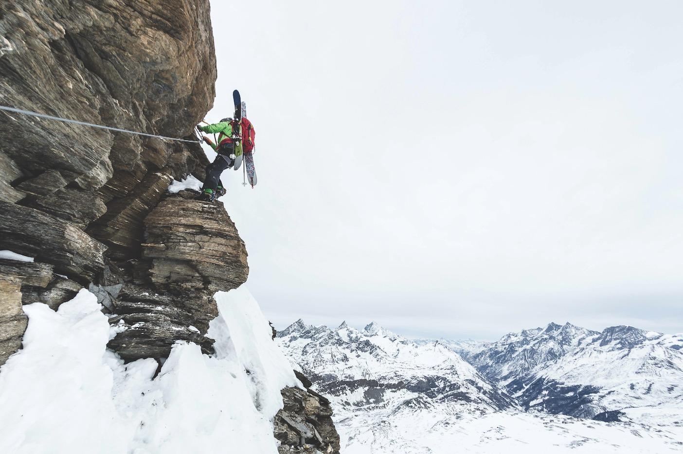 SKI PÅ SEKKEN: På grensen mellom Italia og Sveits, på kammen kalt Furggrat, går det en ny via ferrata beregnet for vinterbruk (La Traversata). Den åpner opp for frikjøring ovenfor skisenteret i Cervinia.