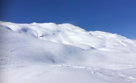 FINE FORHOLD: Det meldes om både masse snø og masse deltagere foran Sauda Backcountry Challenge, som starter på Ravnafjell (bildet) fredag. Foto: TC Øye