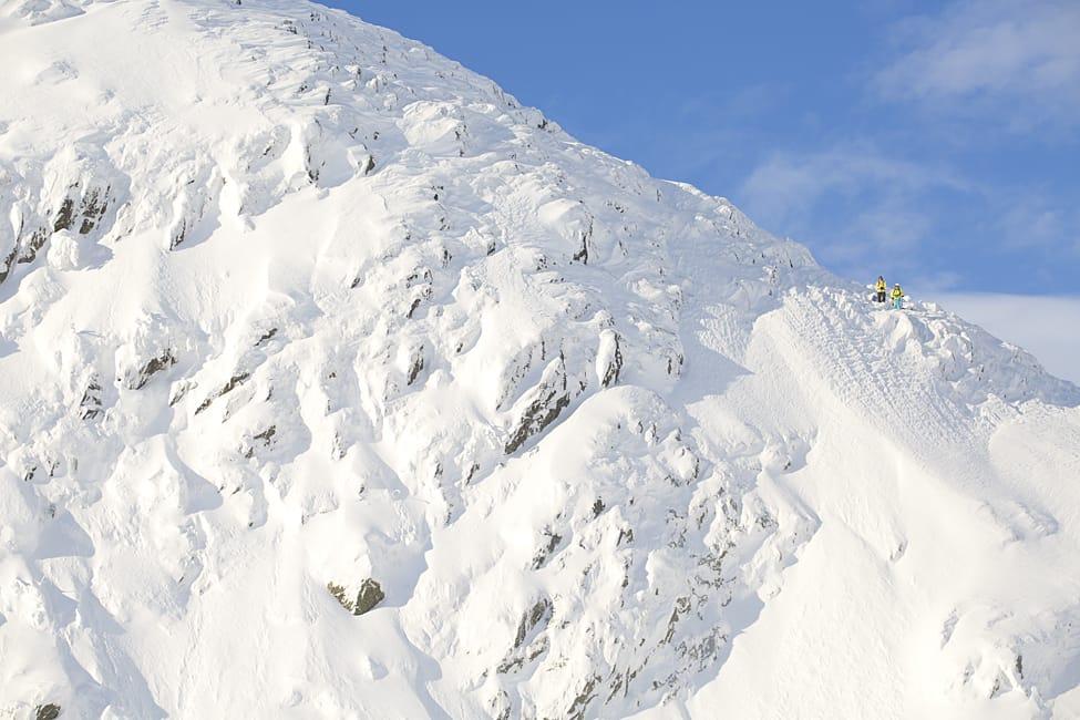 RONI: Spenstig skiterreng og enorme snømengder. Ingenting å utsette på stemninga i Hemsedal for tida. Foto: Kalle Hägglund