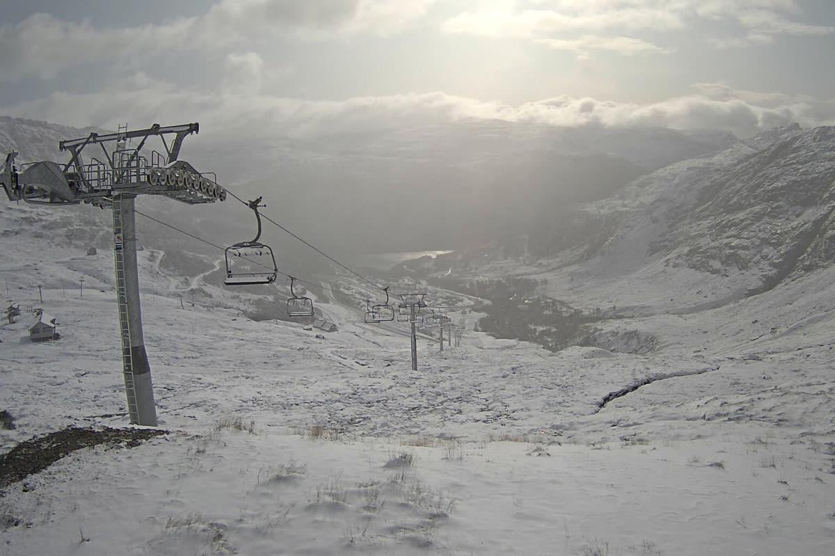 SNØFALL: Slik så det ut i Røldal Skisenter tirsdag morgen. Foto: Røldal Skisenter