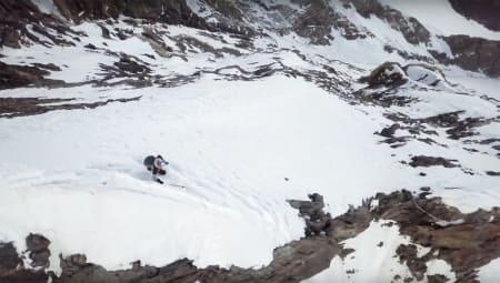 Se Andrzej Bargiel kjøre ned fra K2