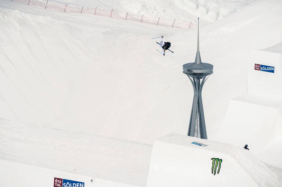 VERDENSREKORD: David Wise 11,7 meter over quarterpipe-kanten. Foto: Klauz Polzer