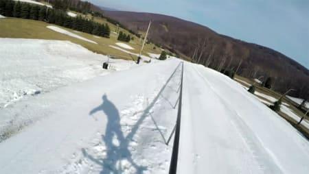NY VERDENSREKORD: Tom Wallisch sklei hele 134 meter på en rail.