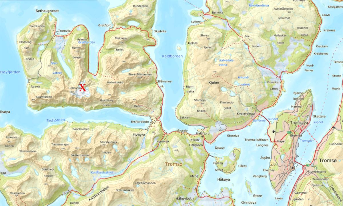 ALVORLIG SKADET: En italiener i slutten av 30-årene er alvorlig skadet etter en skredulykke på Hollendaren i Troms lørdag. Fjellet ligger på Kvaløya, vest for Tromsø.