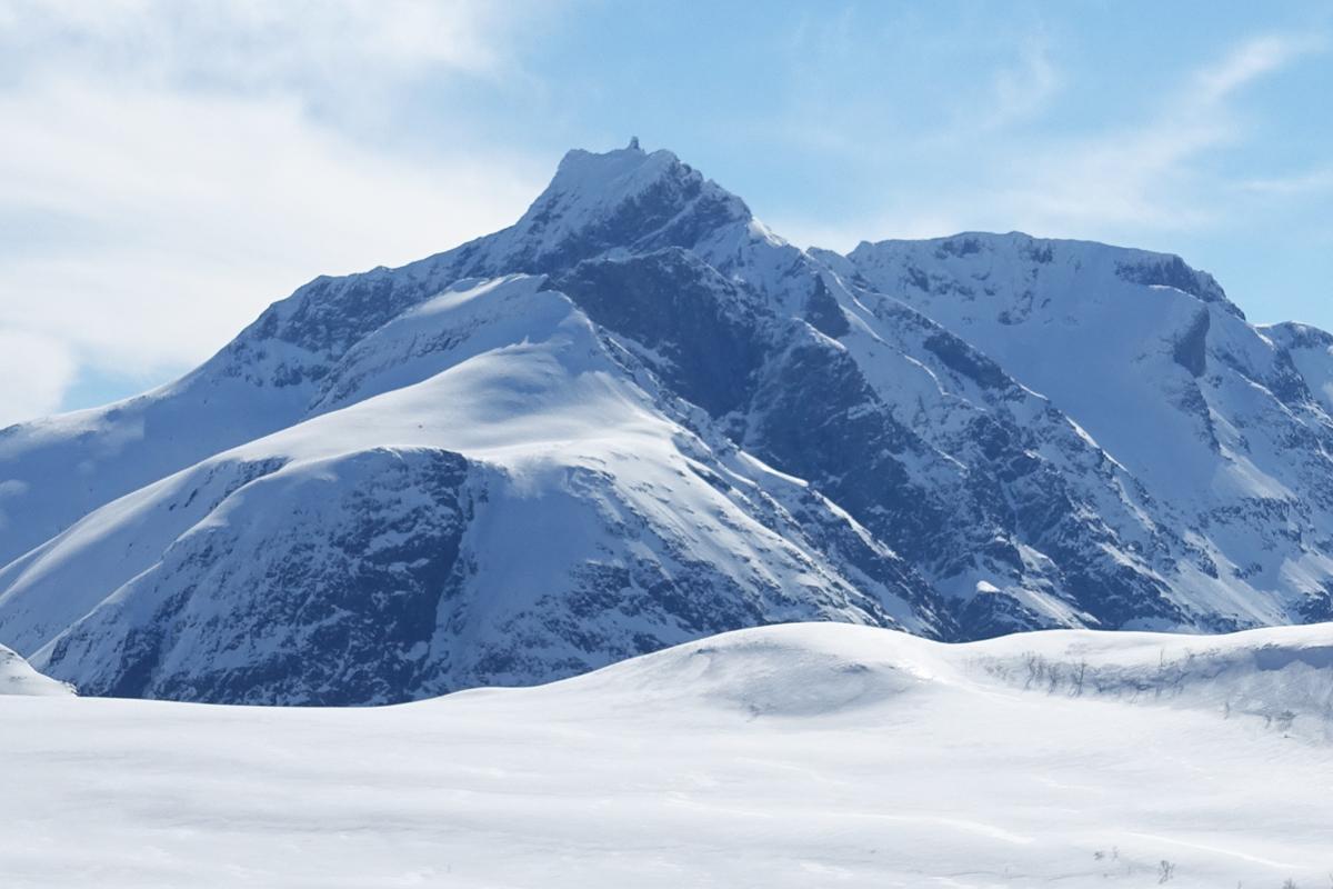 Skadet i snøskred ved Gjuratind