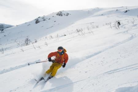 Ski session i myk snø og trygt terreng