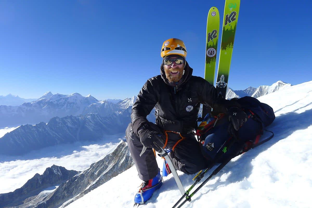 VEGLEDERSJEF: Jørgen Aamot, her på ekspedisjon i Himalaya, skal være med på å plukke ut de 12 som starter på skiguideutdanning denne uka. Foto: Robert Caspersen/MAM.