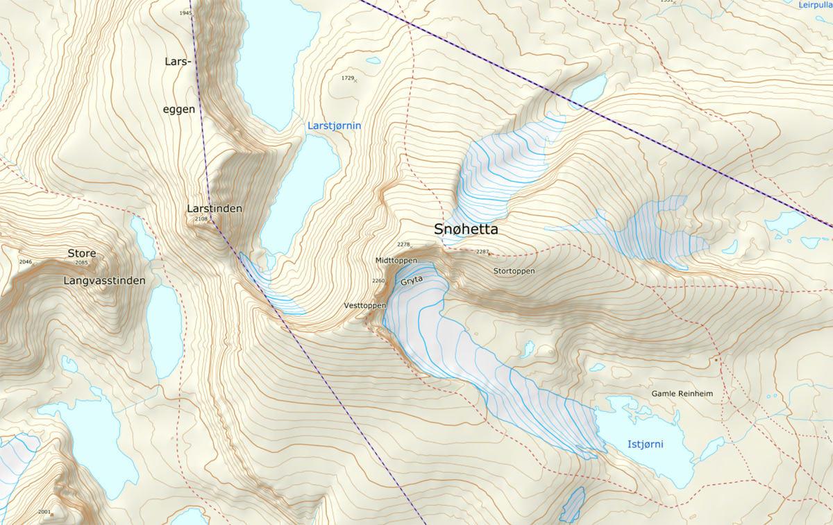 ULYKKE: Mannen i 30-åra omkom da han falt ned fra Hettpiggen (2 261 moh), som er en av toppene som bestiges i forbindelse med klatreturen Snøhettatraversen. Hettpiggen ligger mellom Midt- og Vesttoppen.
