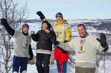 STJERNER: Fra venstre: Eirik Braathen (nummer to), Linda Svorken (vinner i dameklassen), Jonas Rønning (vinner i herreklassen)  og Trond Wulfsberg (nummer tre).