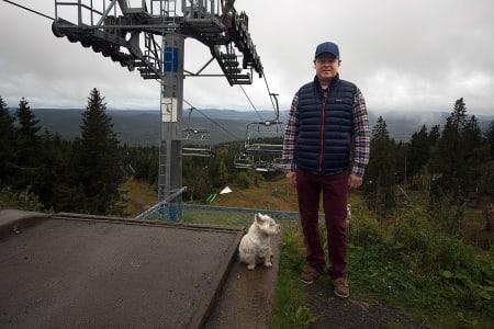 SAMME PRIS: Oslo Vinterpark fortsetter med sesongkortprisene som i fjor. Her er daglig leder Espen Bengtson. Foto: Anders Holtet