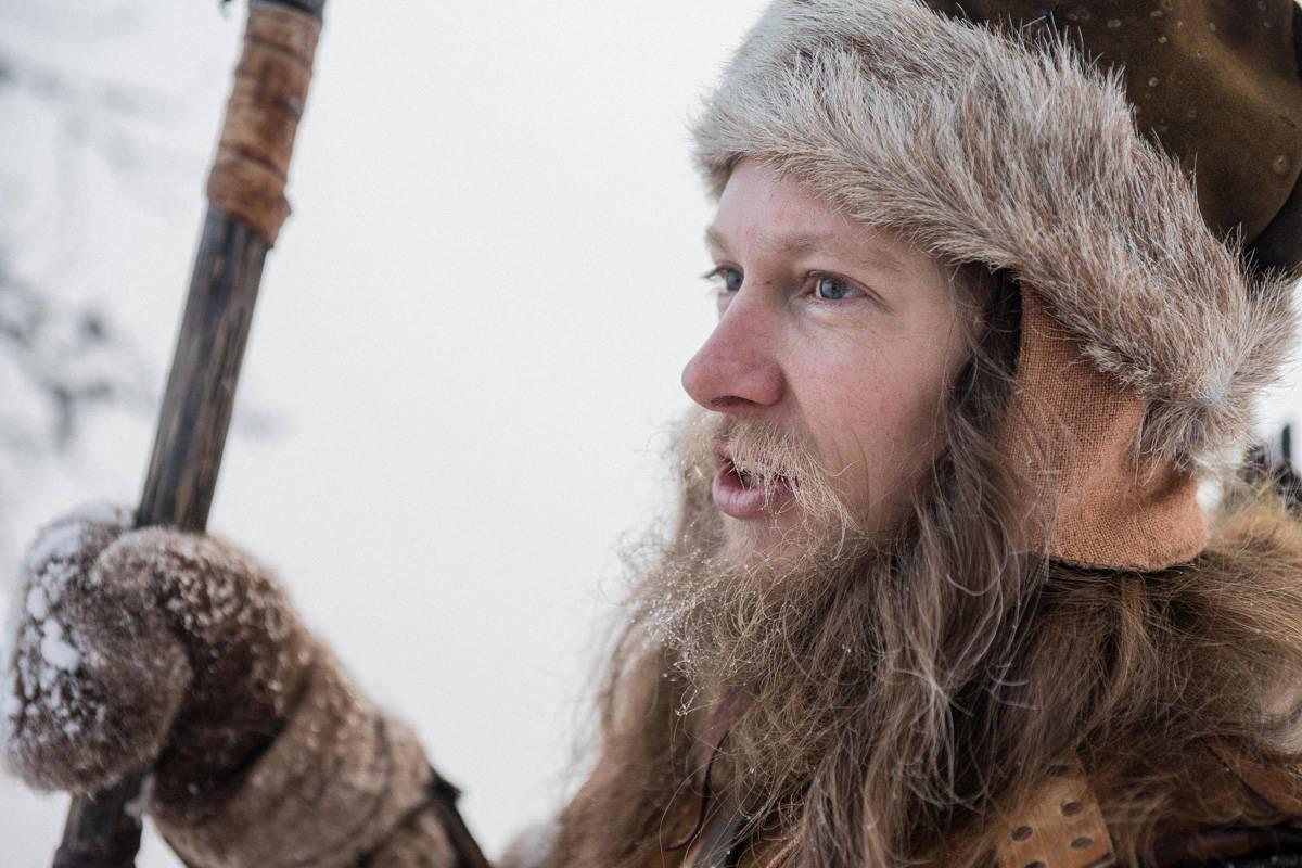 STUNTMANN: Åsmund Thorsen er en av stuntmennene når Nils Gaup og Paradox Film 3 lager filmen om Birkebeinerne. Foto: Bård Basberg
