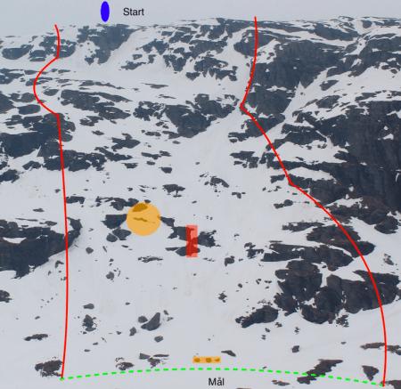 ALT KLART: Her i tredjerenna blir det renn i dag. Som man ser av bildet er det mindre snø i selve renna (til høyre i bildet) enn vanlig.