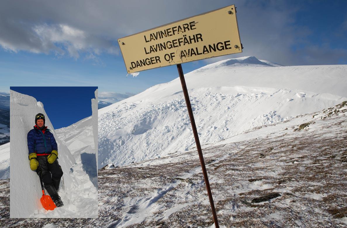 NY BOK: Kjetil Brattlien gir ut ny versjon av boksuksessen Den Lille Snøskredboka. Foto: Tore Meirik/ Christian Jaedicke (NGI)