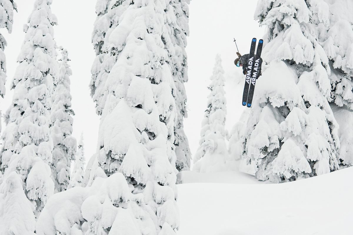 LKENE SKI: Liker du å leke deg i dyp snø? Da finner du skiene for deg her. Foto: Armada