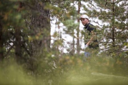 PK Hunder hadde helst sett at han ikke trengte å vandre i skogen under helgas golfturnering.