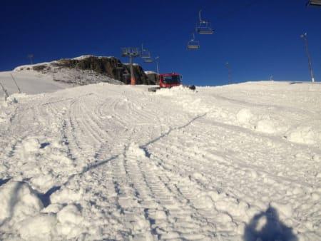 KOMPLETT SLOPESTYLELØYPE: Totalt ni elementer skal settes opp i slopestyleløypa som skal stå klar til helga, og som landslaget skal bryne seg på til uka. Foto: Rune Slåsletten