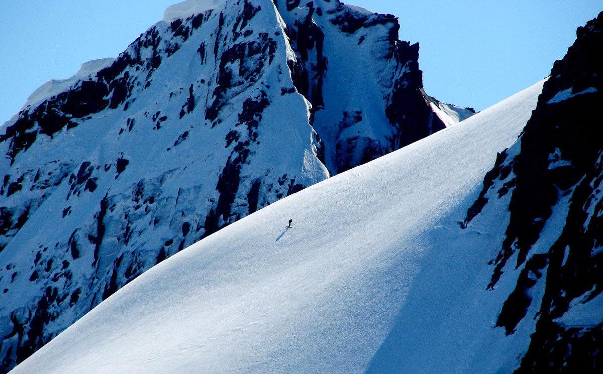 SPEKTAKULÆRT: Sørvestlandet har noen av Norges fineste toppturområder. Nå har endelig guideboka for toppene i området kommet.