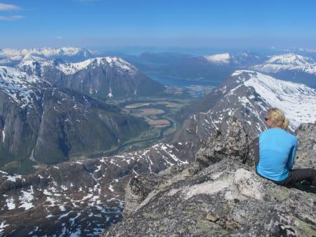 Fin utsikt ned til Åndalsnes