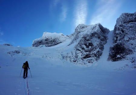HURRUNGANE: Sognefjellsveien gir en mulighet til å starte skisesongen rekordtidlig. Dette bildet ble tatt i Oktober.