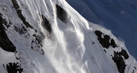 STORFJELLSEKSPERT: Sam Anthamatten er fjellguide fra Zermatt, Freeride World Tour-kjører og en råskalle foran kamera. For å si det mildt. Han kan både backflip og helikopter også forresten.