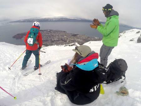 Konkurranseområdet stupte rett ned mot Ofotfjorden og ga en spektakulær kjøreopplevelse for store og små. Foto: Micke af Ekenstam