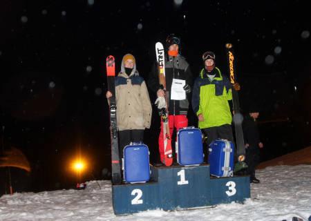 Felux Usterud, Vebjørn Svorkmo og Christian Nummedal på pallen i seniorklassen.