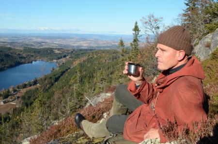 FJERN: Nils Faarlund mener det er på tide å bli kvitt Fjellvettreglene. Foto: Erlend Sande