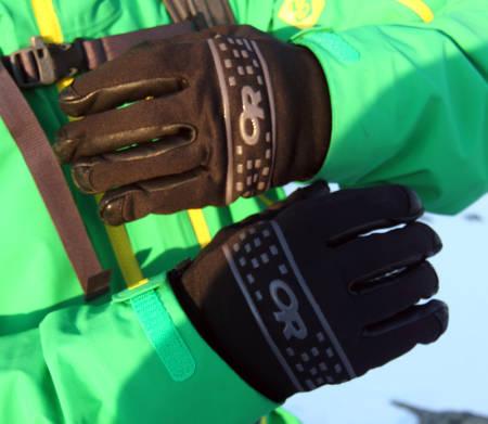 ELLERS VELDIG BRA: Likevel fungerer hanskene strålende som «oppoverhansker» til toppturen, for pusteegenskapene er strålende, og de er nesten helt vindtette.