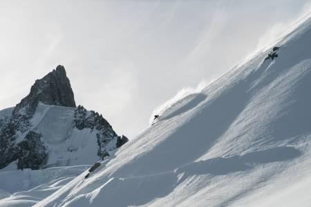 DRØMMEN: Forhold som dette her er vanskelig å ikke drømme om. Stian Hagen bor i Chamonix og har gjort skidrømmen til en hverdagslig greie. Bilde: Adam Clark