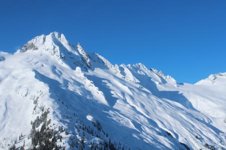 Alpha og Serratus Mountain