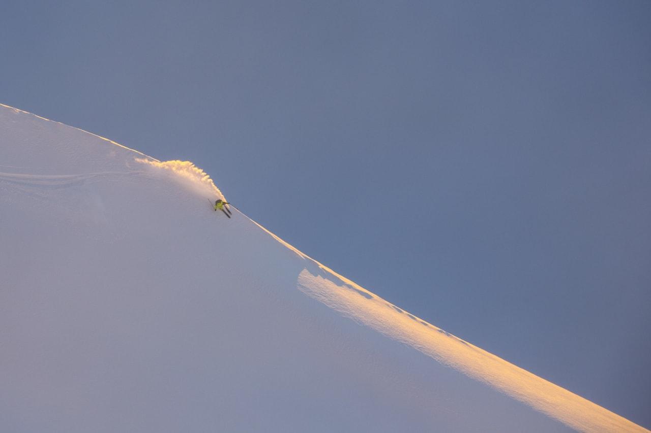 OLD BUT GOLD: Asbjørn Eggebø Næss er en av de mest rutinerte skikjørerne i Norge og vet nøyaktig hvor han skal sette svingene sine. Foto: Kyrre Buxrud