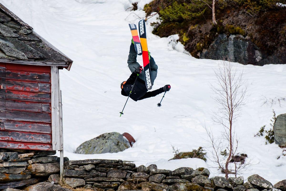 RÅEST PÅ TURTIS: Sondre Loftsgarden vant herreklassen med temmelig rå kjøring på toppturutstyr. Foto: Martin Innerdal dalen