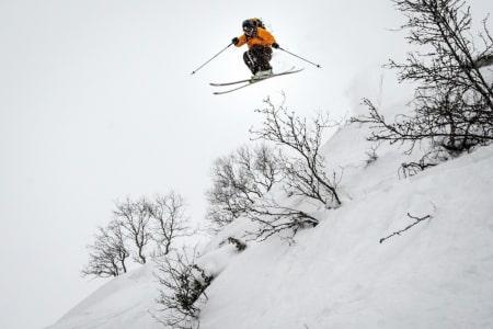 FRIKJØRINGSPARADIS: Raulandsfjell byr på svært god frikjøring. Her er  Espen Arnesen. Foto: Magnus Tjønn
