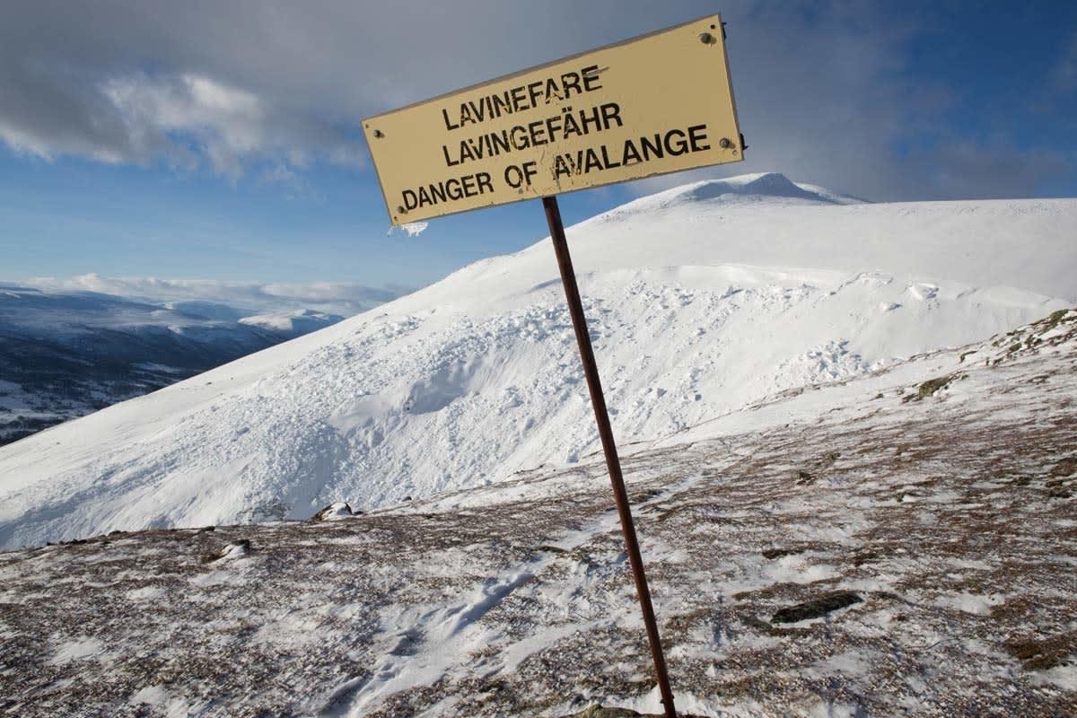 DITT EGET ANSVAR: Norske skianlegg har ikke ansvar for å sikre områder som ikke er preppa. Dermed beveger du deg i skredterreng på eget ansvar selv om du har tatt heis dit. Arkivfoto: Tore Meirik