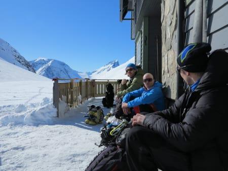 PÅ TUR SAMMEN: Bård Smestad (i midten) sammen med turkameratene Yngve Dalquist (til venstre) og Øyvind Slørdahl, påsken 2013. Foto: Haraldur Arnason