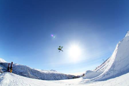 PÅ SAMLING: Aleksander Aurdal og resten av landslaget i slopestyle er på plass på Skeikampen denne uka. Foto: Tore Meirik