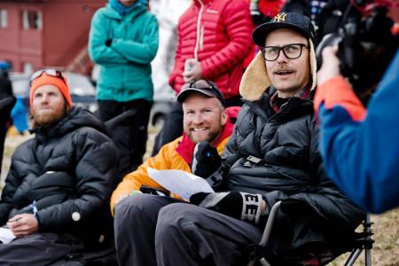 Jotunheimen-kjentmann og fjell-råtass Dag Inge Bakke (i midten) var publikummer og Johan Wildhagen (til venstre) og Christian Kongerud satt i dommerpanelet.