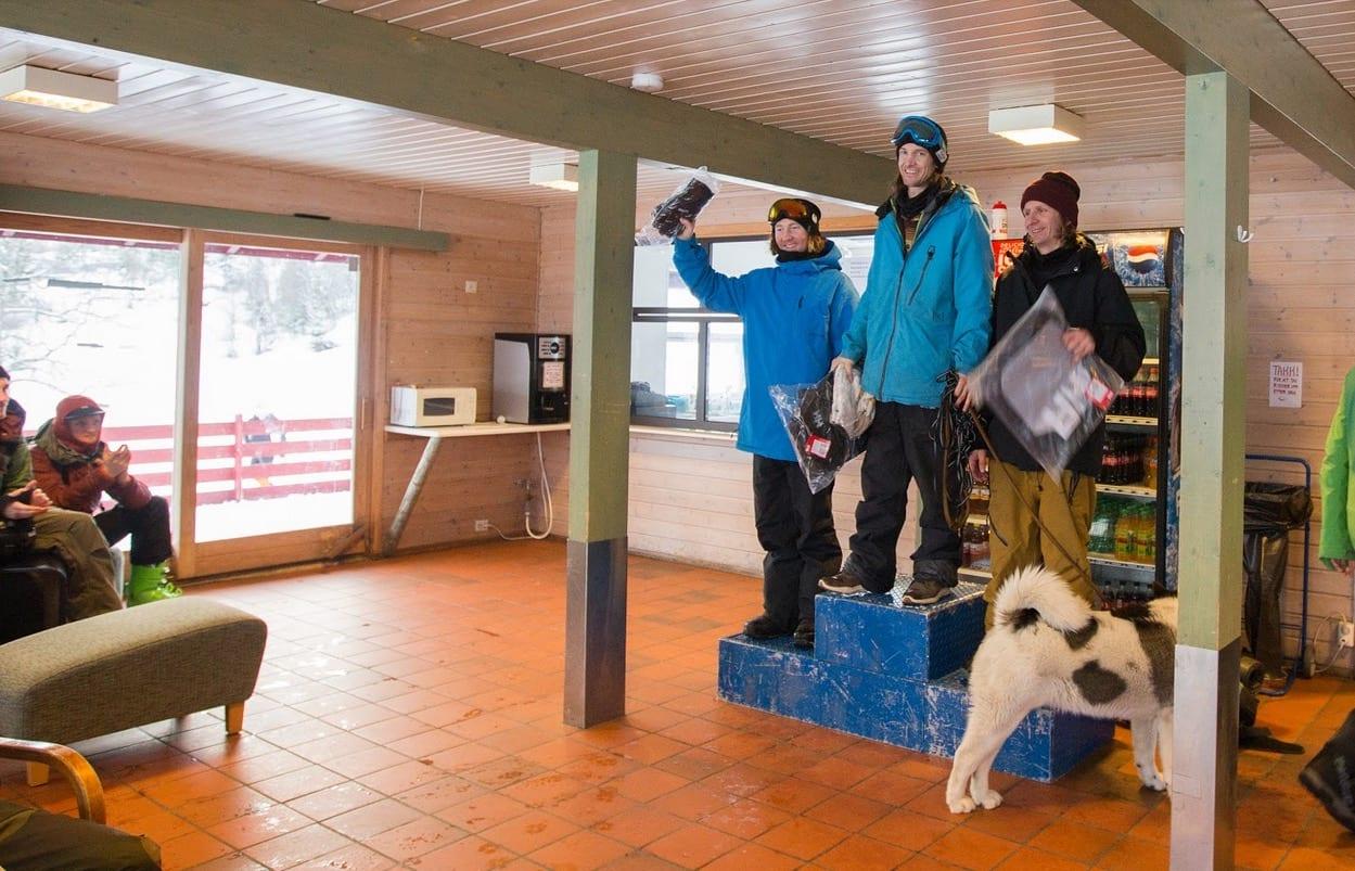 EN LEGENDE OG HANS HUND: Torbjørn Paulsen vant herrer snowboard på Fjellsætra. Bilde: Ingrid Welle/Norway Freeride