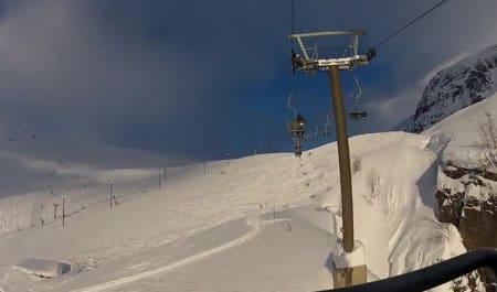 INNAFOR: Sol og nærmere 3,5 meter snø er helt innafor.