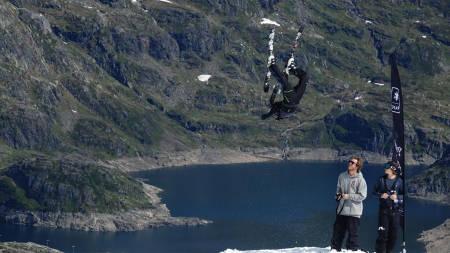 KONKURRANSE: Svar på enkel spørsmål og vinn plass på sommerens beste skicamp på Folgefonna – til en verdi av over 6000 kroner!