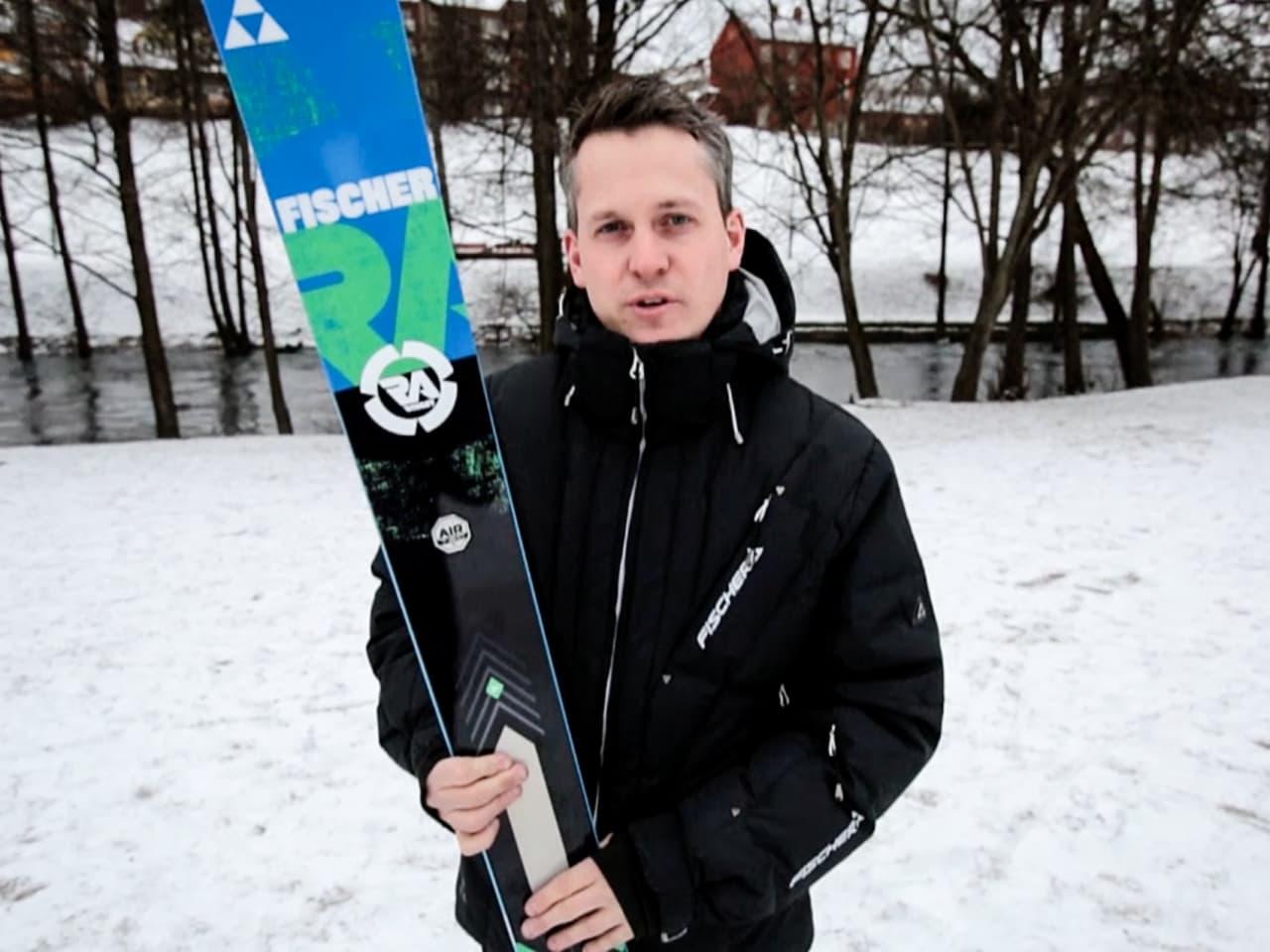 IMPORTØREN: Anders Høegh i Fischer Norge har litt av hvert å si om den nye Ranger-skia. Foto: Christian Nerdrum