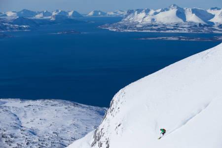 HJEMMEBANEN: Da Pias sponsor skulle lage film og overlot til henne å finne location var Narvik-området et enkelt valg. Og de trakk blink med forholda! Foto: Angela Percival