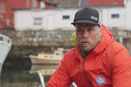 TINDEVEGLEDER: Skifilmstjernene i TGR møtte Sjur Hauge i Lofoten. Se filmselskapet sitt portrett av tindeveglederen her. Foto: Skjermdump