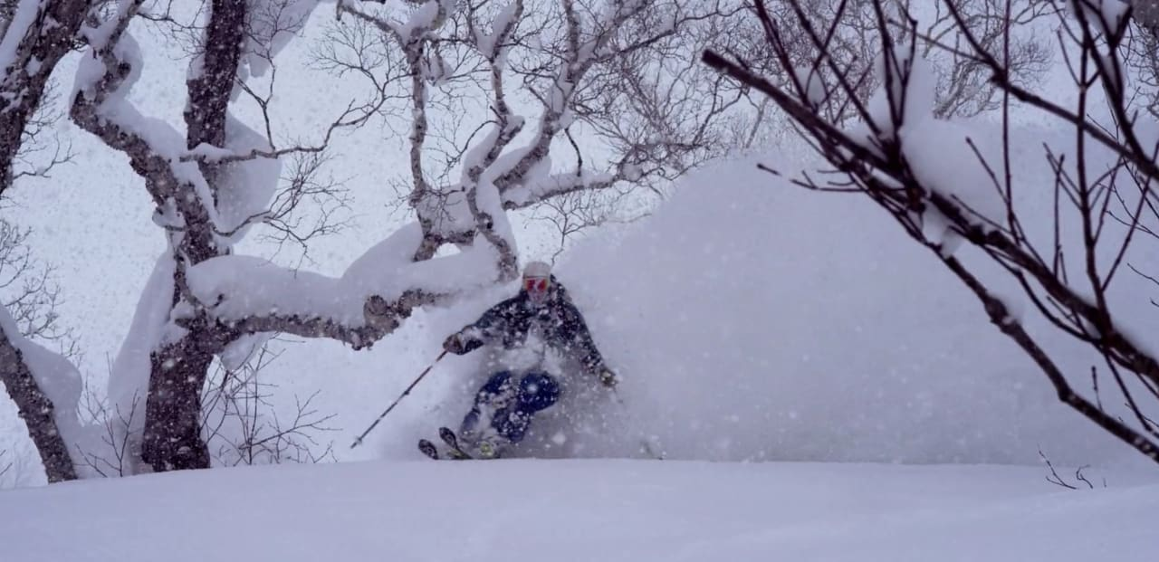 SNØ FRA ALLE KANTER: Da DPS-teamet besøkte Japan, kom snøen både ned fra himmelen og opp fra bakken.