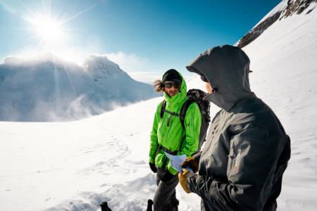 NY EPISODE: Petter Westgaard møter tre ulike skikjørere i den nyeste episoden av Glæder. Foto: Anders Vestergård